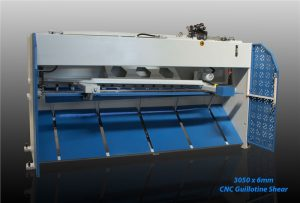 inanlar 3050 x 6mm cnc hydraulic guillotine shear back view
